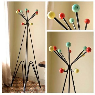 50′S Coat Hangers · My Vintage Home